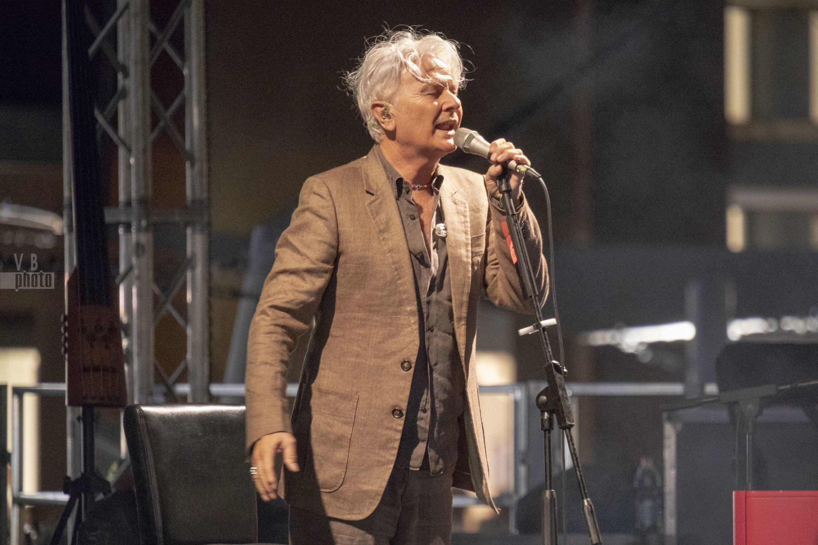 """Ron al Puglia Outlet Village per la tappa del tour italiano """"Lucio"""" - 21 luglio 2018"""